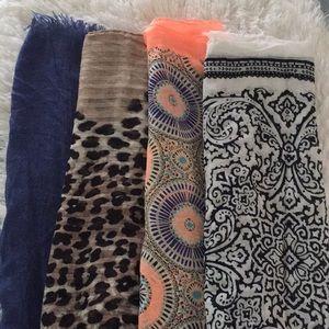 Accessories - Scarf bundle ⭐️⭐️